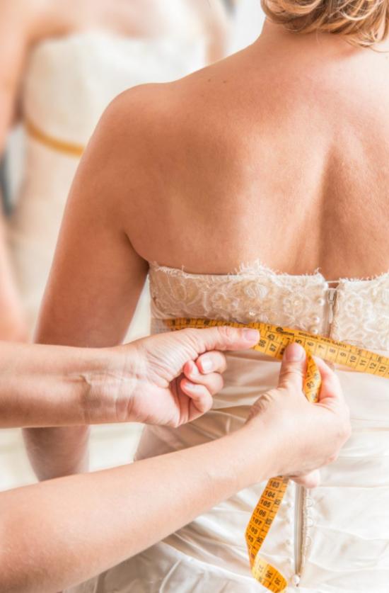 Brautkleid mit Anpassungen im Raum  Memmelsdorf