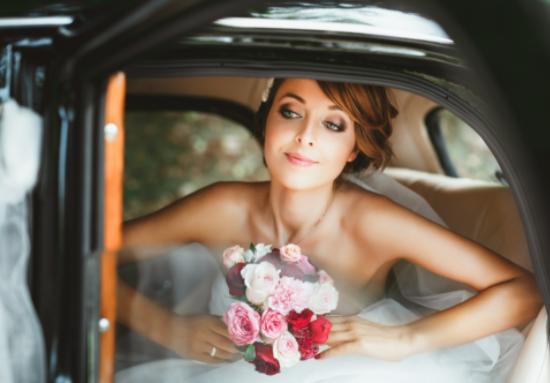 Brautkleid zuhause anprobieren in der Nähe von 96148 Baunach